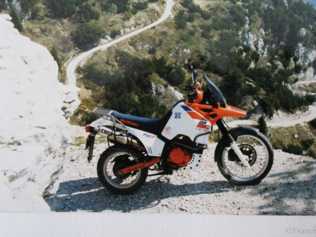 Suzuki DR Big 750 er am Tremalzo - 2.jpg